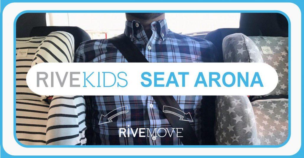 vista delantera de un adulto viajando con dos sillas en la parte de atrás de un coche con rivemove