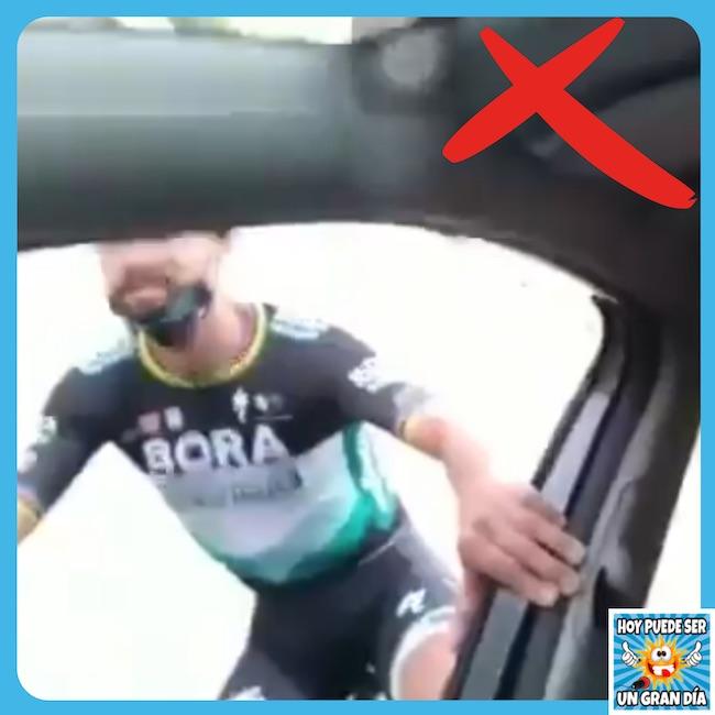 hoy_puede_ser_un_gran_dia_ciclistas_carretera_temeridad_auriculares_conduccion